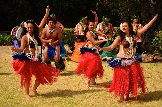 cook-islands-music-dancing